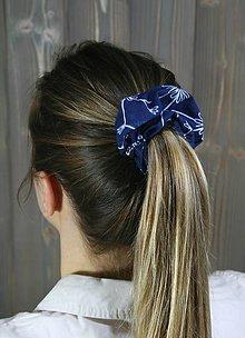 Ozdoby do vlasov - modrotlačová gumička scrunchie 2 - 11868143_