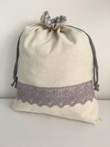 Úžitkový textil - Podšité ľanové vrecko s bavlnenou krajkou - 11873941_