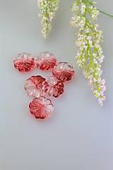 červený kvet prívesok
