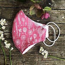 Rúška - *NOVÝ EŠTE LEPŠÍ STRIH* dvojvrstvové mušelínové rúško 100 % bavlna, Ružové kvetinky - 11880623_