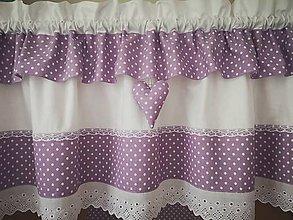 Úžitkový textil - Záclonka-bodka na lilavej - 11882364_