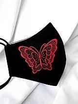 Čierne rúško 2-vrstvové s výšivkou Motýľ