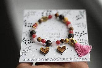 Náramky - Strapcový náramok a drevené náušnice Srdce - 11889364_