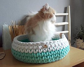Pre zvieratká - Háčkovaný pelech HYGGE pre mačičku - 11893382_