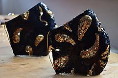 Rúška - Rúško na tvár TAJOMSTVO NOCI  (spodná časť 19 cm, horná časť 22 cm, nos - brada 15 cm - Čierna) - 11895313_