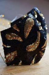 Rúška - Rúško na tvár TAJOMSTVO NOCI  (spodná časť 19 cm, horná časť 22 cm, nos - brada 15 cm - Čierna) - 11895315_