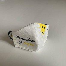 """Rúška - Maľované SMOTANOVOBIELE ľanové rúško (3-vrstvové) (s nápisom """"Karanténa je super"""" a slniečkom) - 11893919_"""