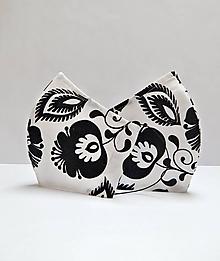 Rúška - Textilné rúško na tvár dvojvrstvové BLACK AND WHITE FLOWERS s antibakteriálnou bavlnou - 11892155_