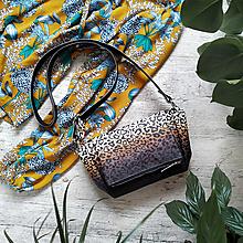 Kabelky - Kabelka CUTE bag - leopardí vzor so srdiečkami (hnedý prechod) - 11898121_