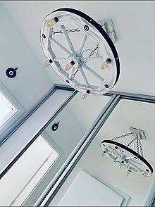 Svietidlá a sviečky - Luster .. drevene koleso 63cm biely - 11900934_