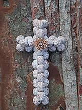Dekorácie - Krížik - biely s kvietkom na chalupu - 11906027_