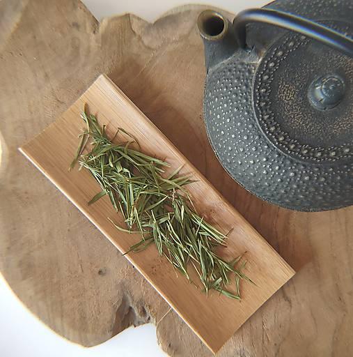 Bambusová nasýpačka na čaj