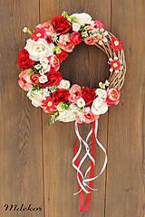Dekorácie - Veniec romantický do červena - 11907315_