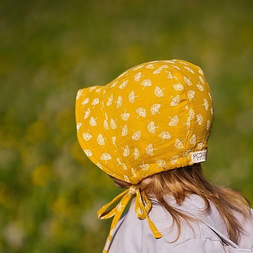 Mušelínový čepiec žlté púpavy