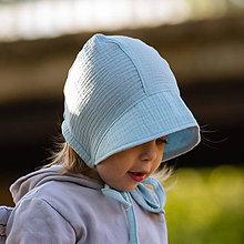 Detské čiapky - Mušelínový čepiec light blue - 11910864_