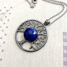 Náhrdelníky - Tree of Life Lapis Lazuli Gunmetal Necklace / Náhrdelník Strom života s lazuritom - 11916972_