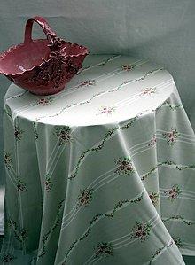 Úžitkový textil - Obrus. Romantický svetlosivý s ružičkami. - 11916901_