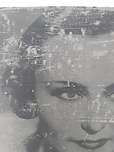Iný materiál - fotka na betóne - efekt starej fotografie Hana Vitová (cca A4) - 11917837_