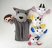 Hračky - Sada maňušiek na prst (Rozprávka o vlkovi /maňuška na ruku s bruškom na zips/ a kozliatkach) - 11927165_