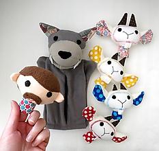 Hračky - Sada maňušiek na prst (Rozprávka o vlkovi /maňuška na ruku s bruškom na zips/ a kozliatkach) - 11927166_