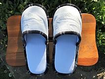Biele riflové papuče s vreckom