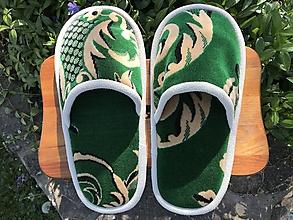 Ponožky, pančuchy, obuv - Veľké zelené papuče z poťahovky - 11924012_