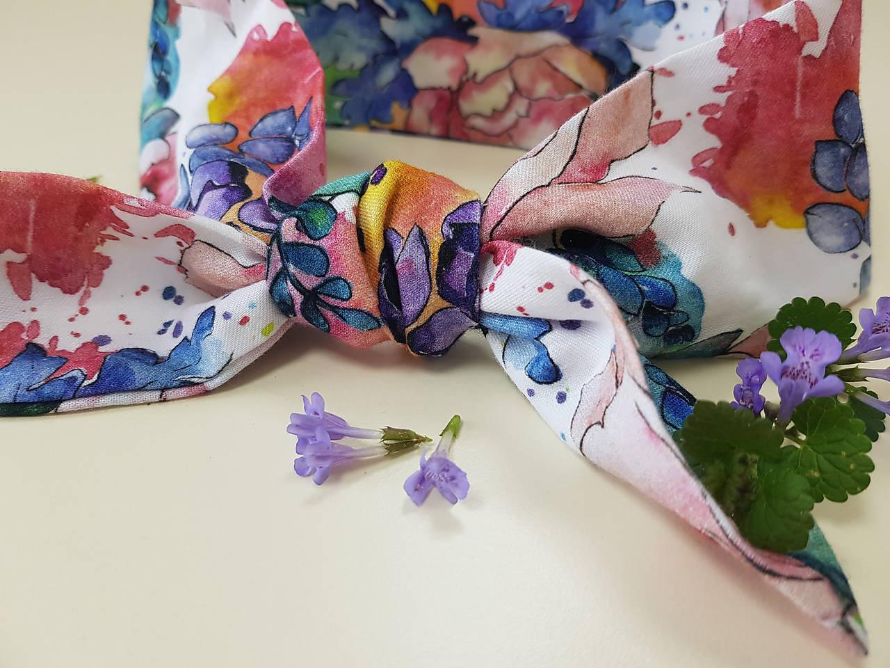 Šatka z bavlneného saténu - maľovaná záhrada