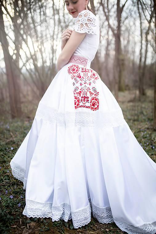 svadobná sukňa Slavianka