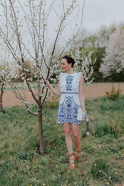 biele vyšívané šaty Slavianka