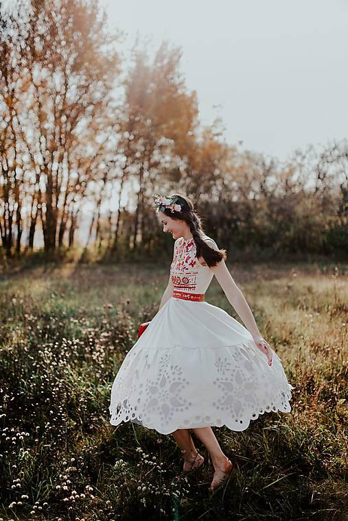 béžové madeirové šaty Poľana