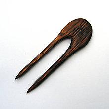 Ozdoby do vlasov - Drevená ihlica do vlasov - smreková pálená - 11926904_