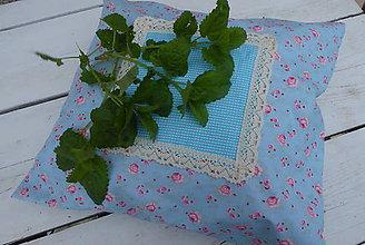 Úžitkový textil - Bylinkový voňavý  vankúš na želanie-kvety na tyrkysovej - 11928117_