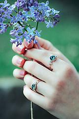 Prstene - Strieborný ligotavý prsteň so serafinitom - Bokeh Serafine - 11935225_