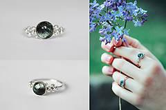 Prstene - Strieborný ligotavý prsteň so serafinitom - Bokeh Serafine - 11935232_
