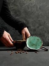 Nádoby - šálka zeleno kovová  - 11942023_