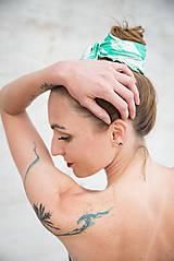 Šatky - Štvorcová šatka Green Stripes - 11943271_