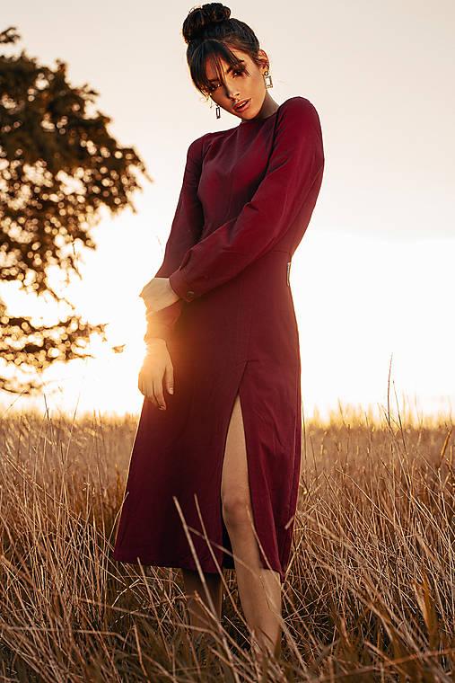 Šaty - Vínové úpletové šaty - 11940241_