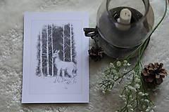 Kresby - Srnka medzi kmeňmi stromov Art Print - 11944684_