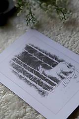Kresby - Srnka medzi kmeňmi stromov Art Print - 11944690_