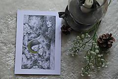 Kresby - Víla na krídlach nočných motýľov Art Print - 11945083_