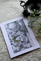 Kresby - Víla na krídlach nočných motýľov Art Print - 11945085_