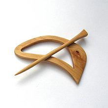 Odznaky/Brošne - Drevená ihlica na šál - jabloňová - 11943729_