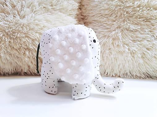 Mäkučký sloník čierne čiarky na bielom