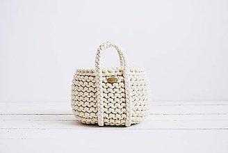 Dekorácie - Ručne pletený košík s rúčkami - prírodný - 11948574_