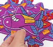 Galantéria - Textilná nažehľovačka lietadlo 10 x 6 cm - 11949232_