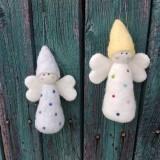 Dekorácie - Plstený bodkovaný anjelik biely - 11949461_