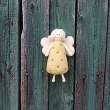 Dekorácie - Bodkovaný anjelik žltý - 11949498_