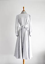 Šaty - Ľanovo-viskózne šaty s viazaním v páse - bledošedé - 11946248_