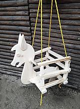 Hojdačka koník