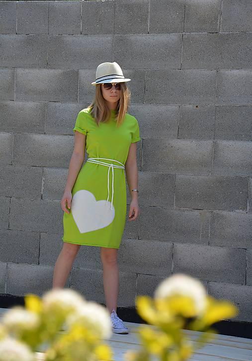 Úpletové šaty Limoen  s opaskom